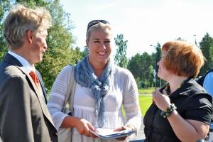 Urpilainen-ja-Kiuru-14-8-2011-Asuntomessuilla